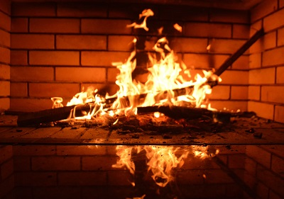 Fireplace - The 10 best ways to reduce your heating costs in 2019